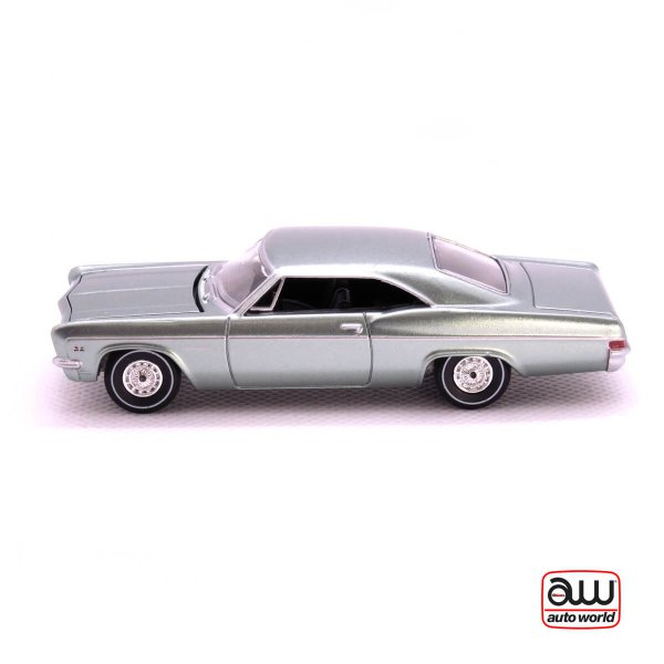 1966 Chevy Impala SS kovový model Auto World – M 1:64 (AW64042-3A)