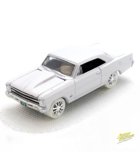 1967 Chevy Nova SS kovový model Johnny Lightning (rare) – M 1:64 (JLMC002-10D)